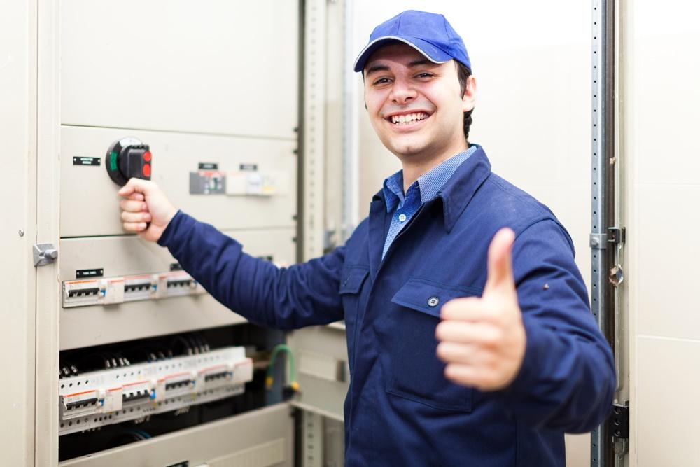แผ่นยางฉนวนไฟฟ้า ElectroMer มาตรฐานส่งออก Tel: 0863077319